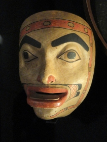 Tlingit_mask_VK_47,_donated_1846_-_Museum_of_Cultures_(Helsinki)_-_DSC04885